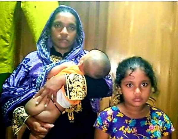 সোনারগাঁয়ে পরকীয়া'র জেরে দুই সন্তানকে গলা কেটে হত্যা চেষ্টা