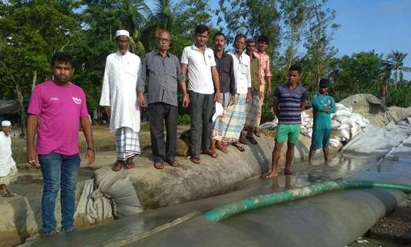 জনপ্রতিনিধির উদ্যোগে আলী আকবর ডেইল ইউনিয়নে ভাঙ্গা বেড়ীবাঁধ নির্মাণ