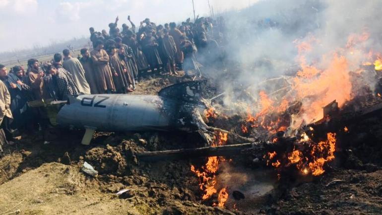 কাশ্মীরের বুদগামে ভেঙে পড়লো ভারতীয় যুদ্ধবিমান