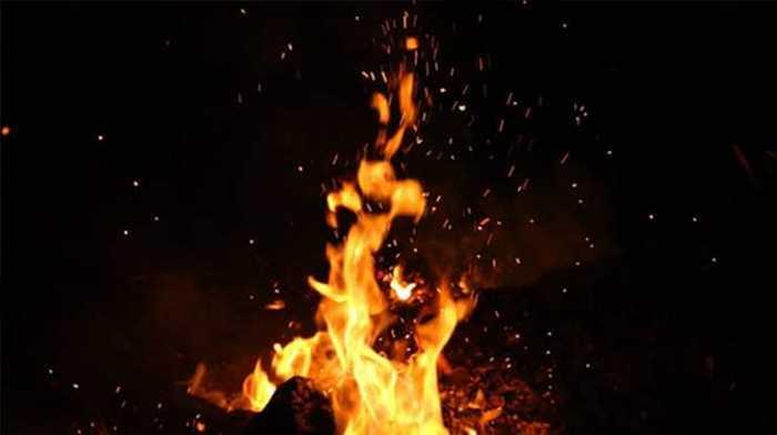 রাঙ্গাবালী উপজেলায় যাত্রীবাহী স্পিডবোটে আগুন : আহত ৪