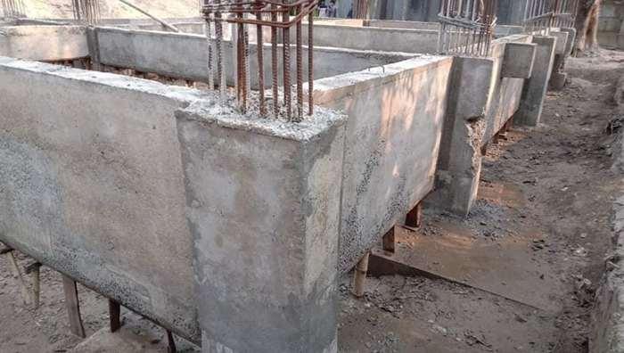 ফুলবাড়ীতে স্কুল ভবন নির্মাণে অনিয়ম; এলাকাবাসীর ক্ষোভ