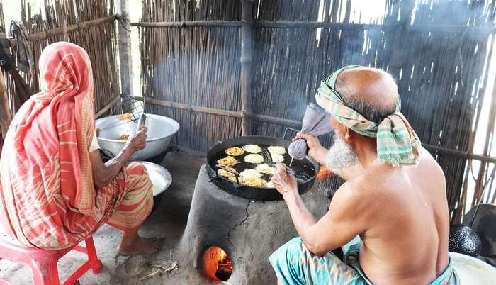 জিলাপী বিক্রয় করেই স্বাবলম্বী নাটোরের নজরুল