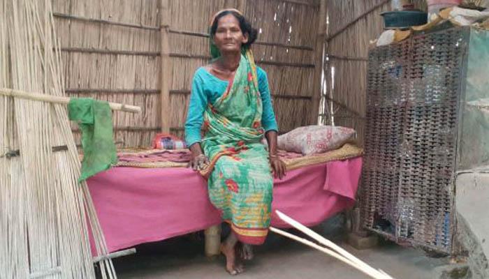 বৃদ্ধা মমেনা'র কপালে জোটেনি বিধবা ভাতা ও সরকারি ঘর