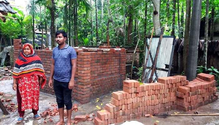 শিয়ালডাঙ্গায় বাল্যবিবাহ প্রতিরোধে লালকার্ড প্রদর্শন