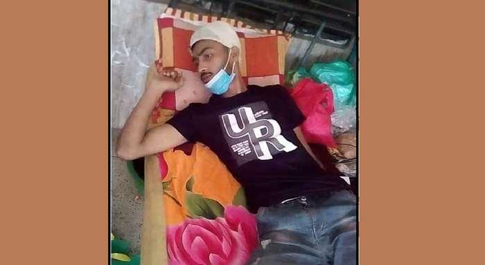 গৌরনদীতে সন্ত্রাসী হামলায় কলেজছাত্র আহত