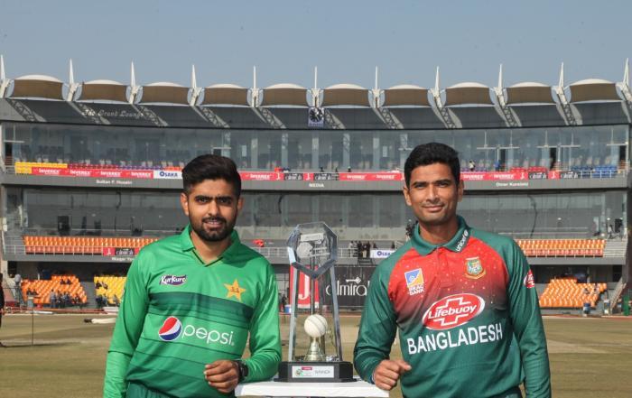 পাকিস্তান সফর : টস জিতে ব্যাটিংয়ে বাংলাদেশ